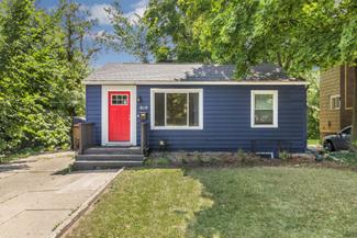Houses for rent   819 Grand River Avenue, East Lansing