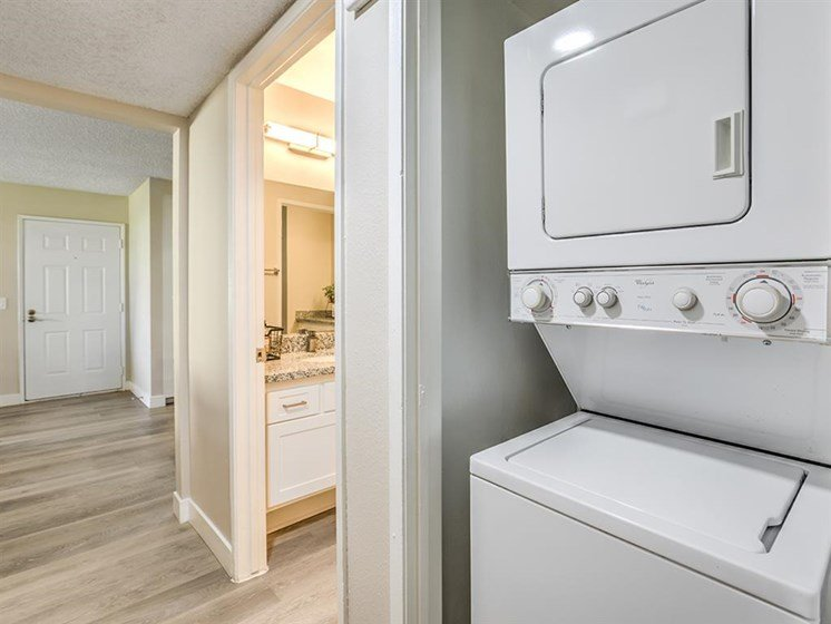 Washer and Dryer at The Ashton, California, 92879