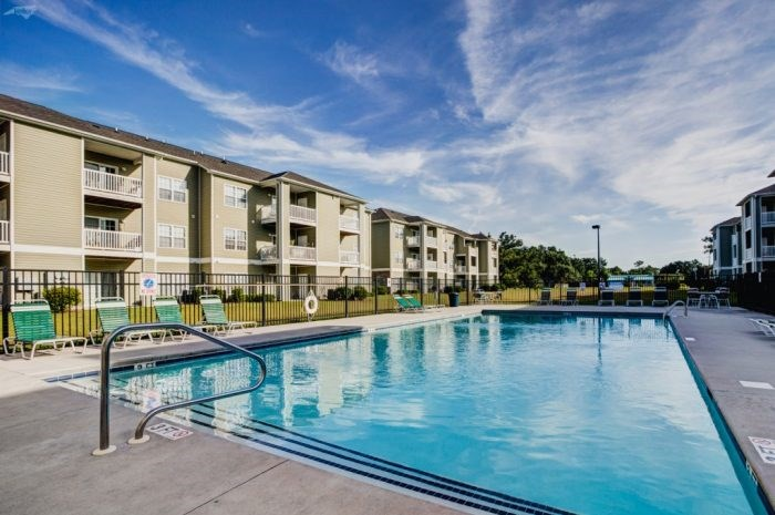 apartments with swimming pool leland, nc