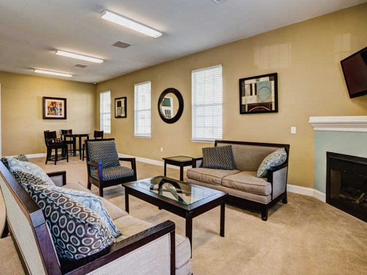 resident lounge apartments in leland nc