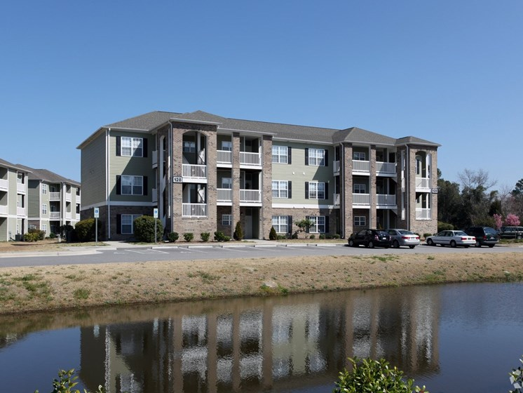 apartments for rent lake view leland nc