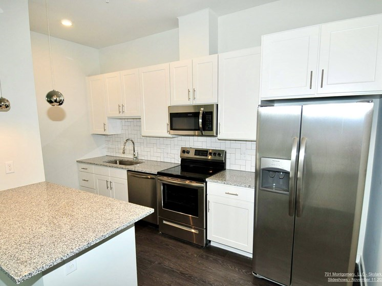 1 Bedroom Kitchen with Peninsula