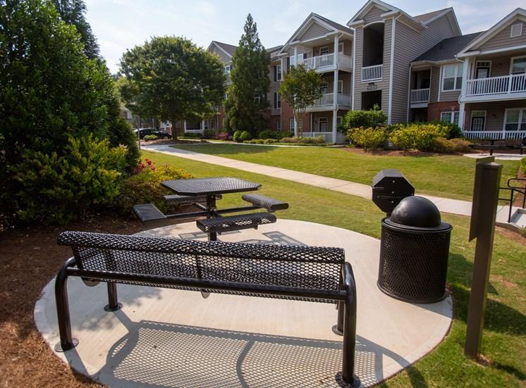 Walton Reserve Apartment Homes Grilling Area
