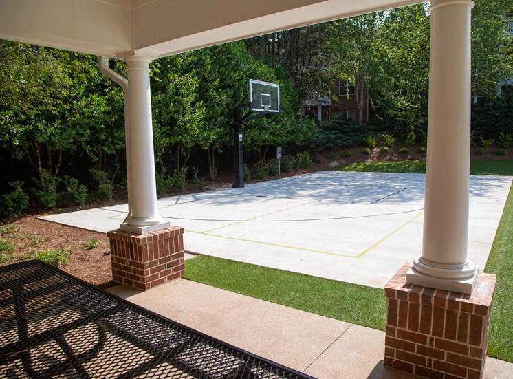 Walton Reserve Apartment Homes Sport Court