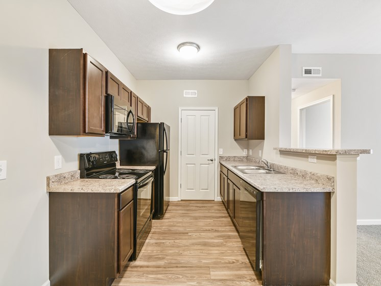 Modern Apartment Kitchens With Breakfast Bars At Austin Place Apartments