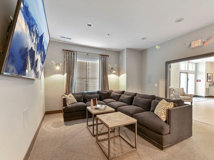 Clubroom Theatre at Austin Place Apartments in Columbus