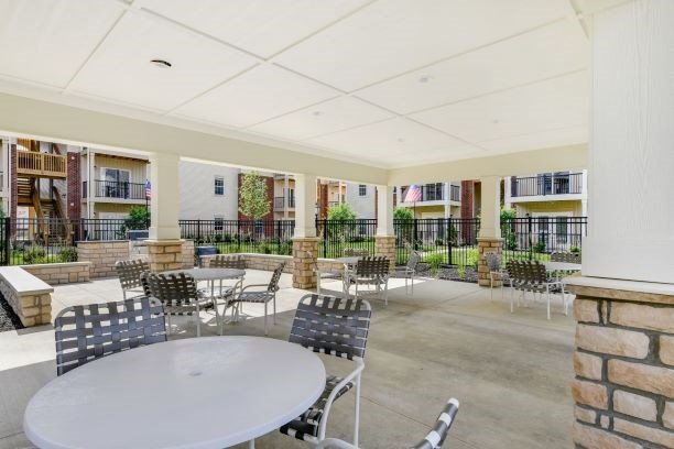 Grilling Area with Dining Terrace at Austin Place Apartments