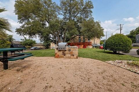 Motif South Lamar Outdoor Space