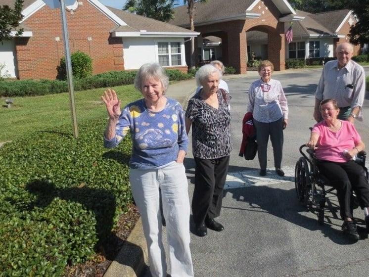 Seniors Having A Good Time at Savannah Court & Cottage of Oviedo, Oviedo, FL, 32765