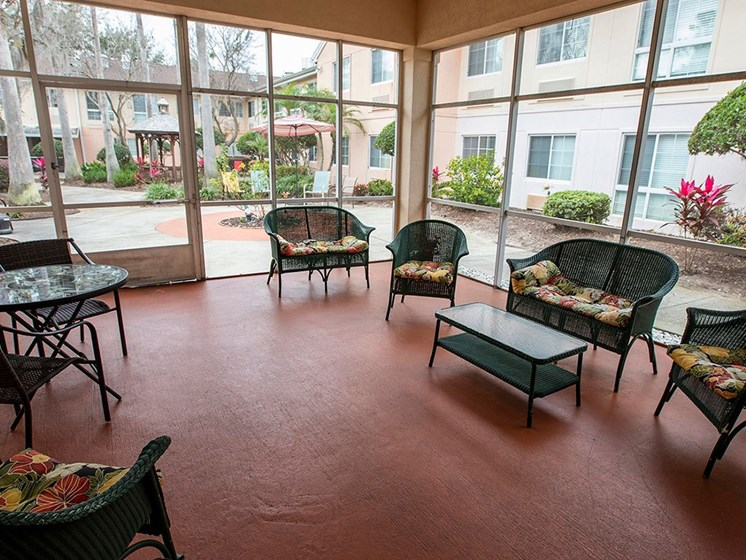 Outdoor Patio Area at Savannah Court of Maitland, Maitland, Florida