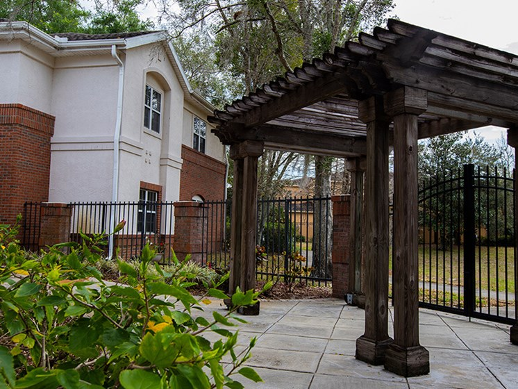 Courtyard Garden Space at Savannah Grand of Maitland, Florida, 32751