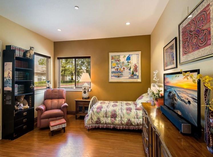 Comfortable Private Room at Healdsburg, A Pacifica Senior Living Community, Healdsburg, CA