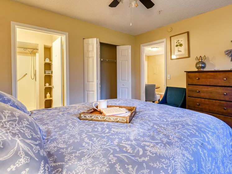Wake up in a beautiful bedroom at Wyndham Lakes