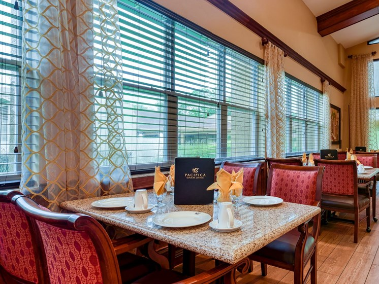 The dining room at Wyndham Lakes.