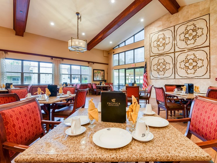 Have a delicious meal every day at Wyndham Lakes.