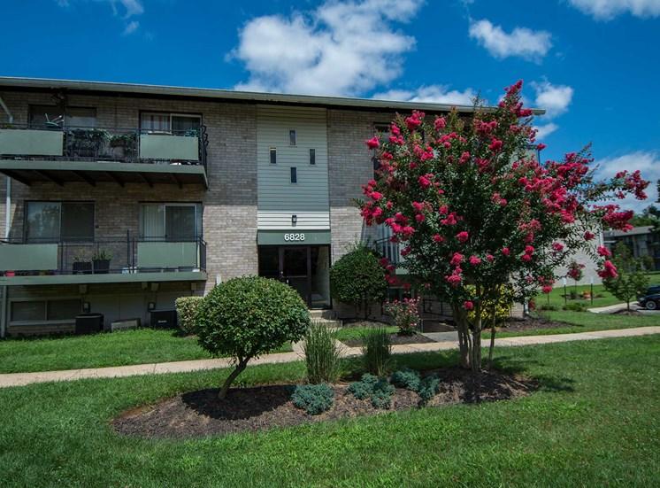 Lilly Garden Apartments Building Exterior 07