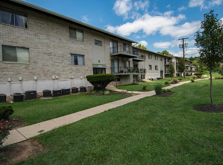 Lilly Garden Apartments Building Exterior 16