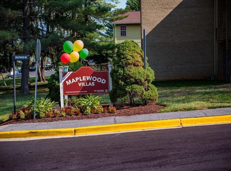 Maplewood Villas Apartments Signage 18