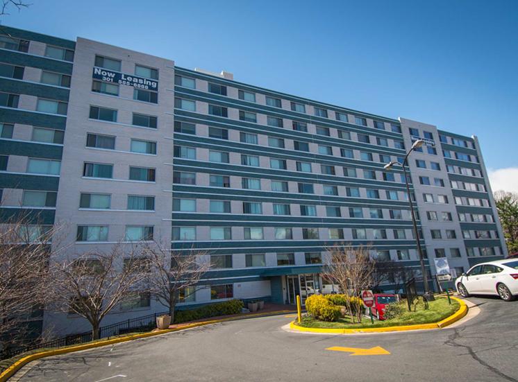 8600 Apartments Building 02