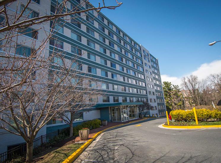 8600 Apartments Building 03