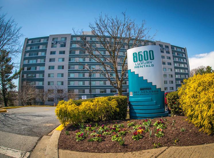 8600 Apartments Property
