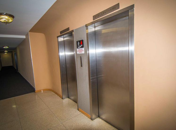 8600 Apartments Inside Elevator 03