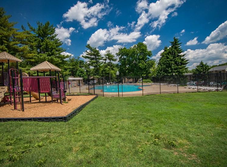 Maplewood Villas Apartments Playground 01