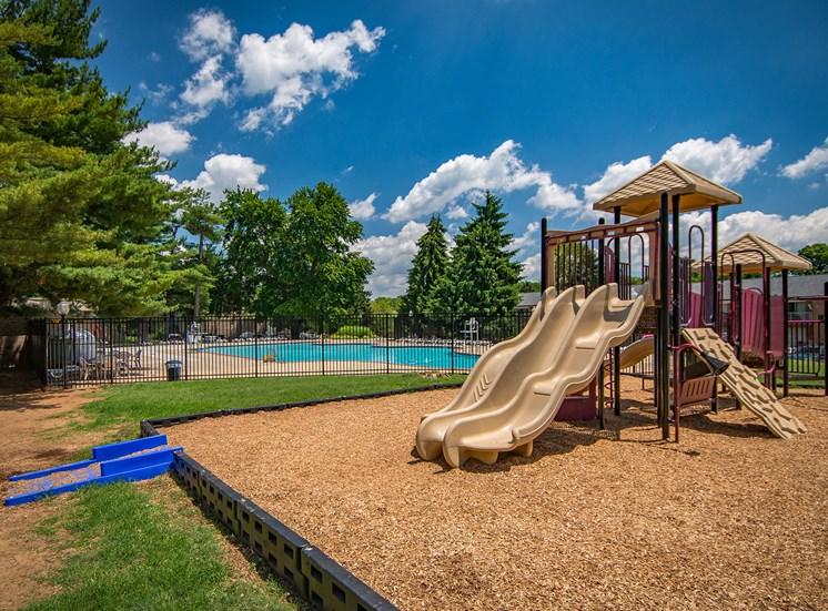 Maplewood Villas Apartments Playground 03