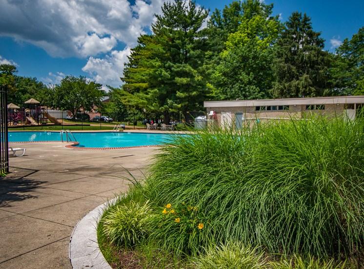 Maplewood Villas Apartments Pool 10