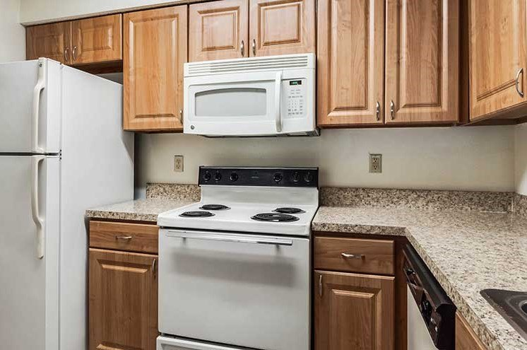 Fully Equipped Kitchen at Newport Colony Apartment Homes, Casselberry, 32707