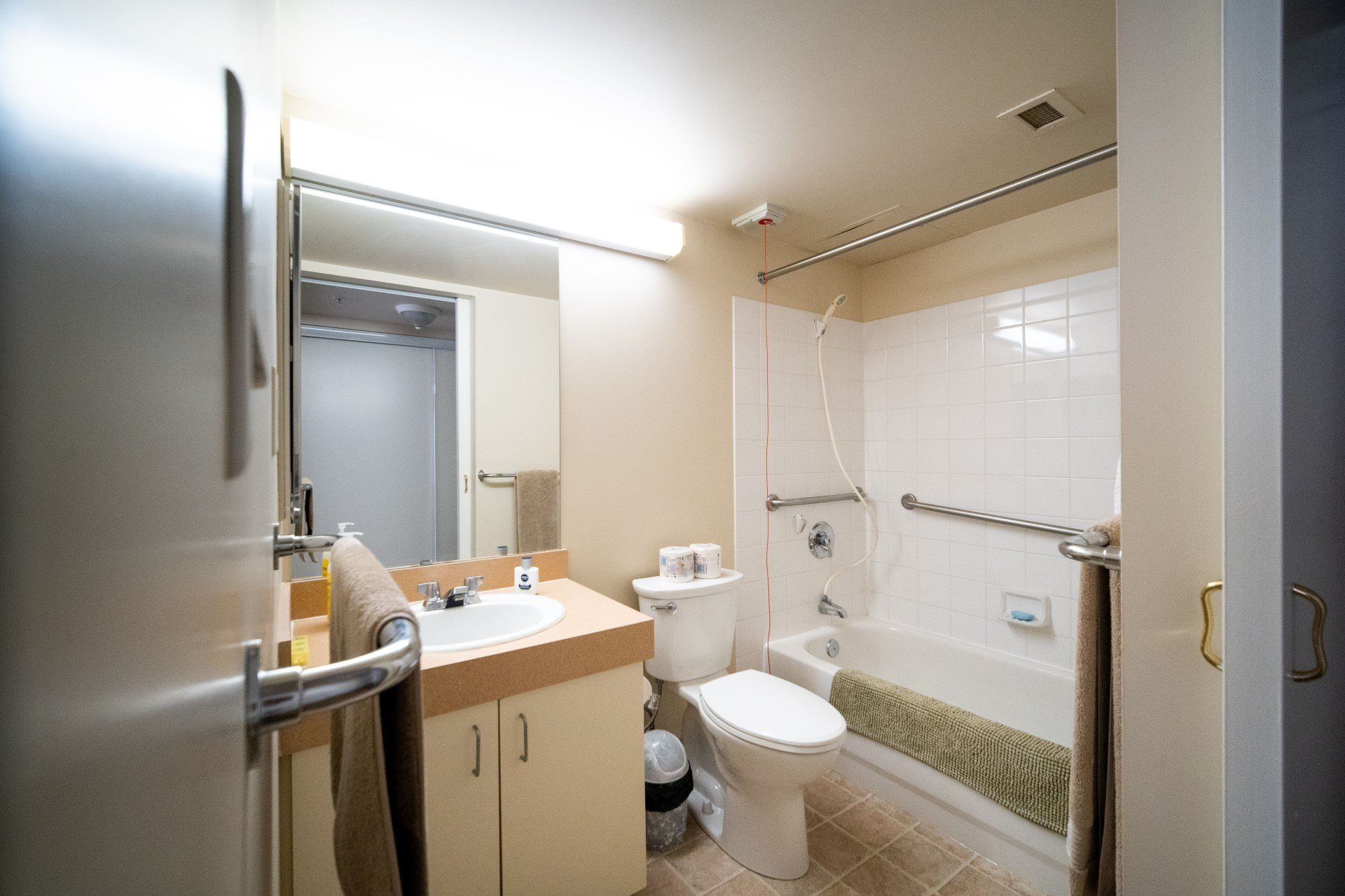 Full bathroom in suite at Spruce