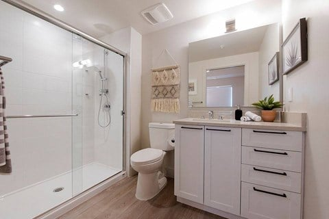 Inlet Glen Apartments in Port Moody, BC bathroom with stand up shower