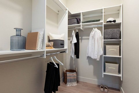 Inlet Glen Apartments in Port Moody, BC walk-in closet with organizers