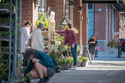 Inlet Glen Apartments in Port Moody, BC neighbourhood flower shop