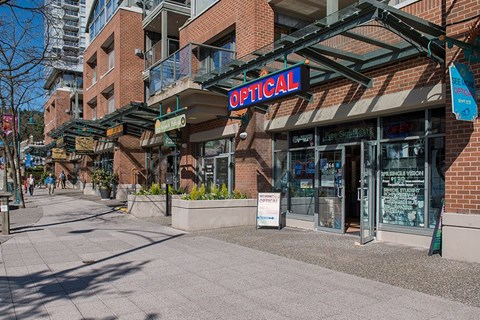 Inlet Glen Apartments in Port Moody, BC close proximity to retail stores and cafes