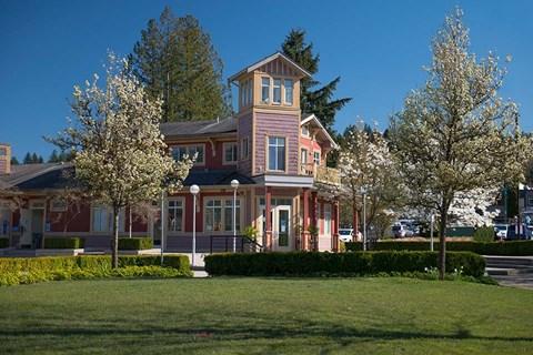 Inlet Glen Apartments in Port Moody, BC lush greenery around the neighbourhood