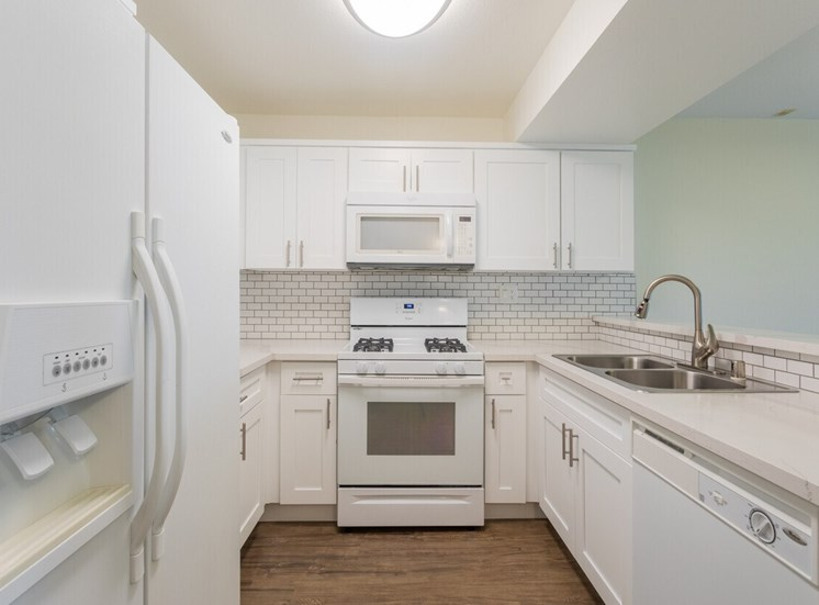 Park Regency Apartments Kitchen