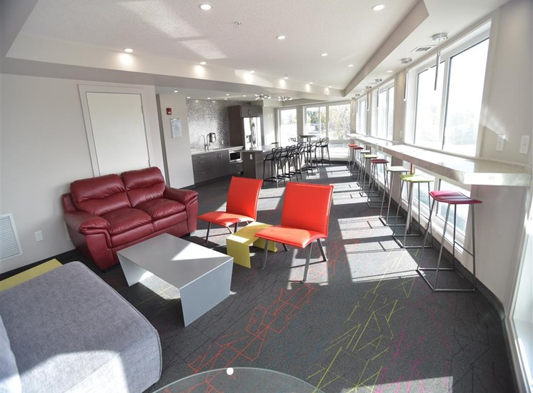 ONE6 Bright Common Lounge