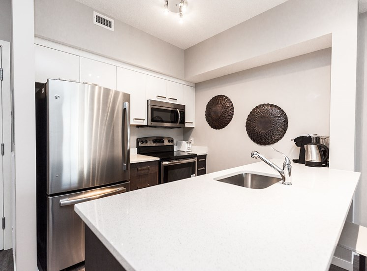 aura residential rental apartments quartz countertops