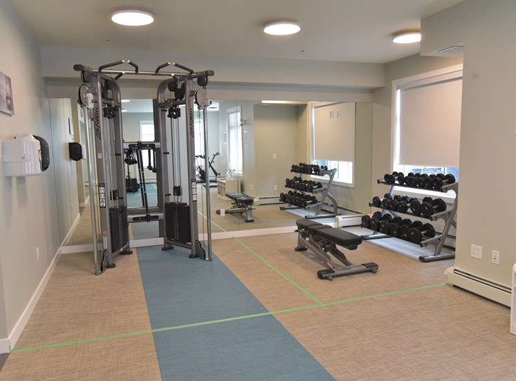 Aqua residential rental apartments fitness centre free weights
