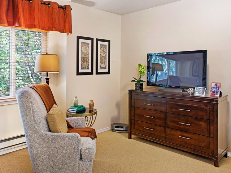 Living Room With Television at Cogir of Northgate Memory Care, Seattle, WA, 98125