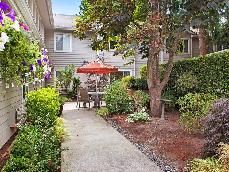 Outdoor Patio Area at Cogir of Northgate Memory Care, Washington, 98125