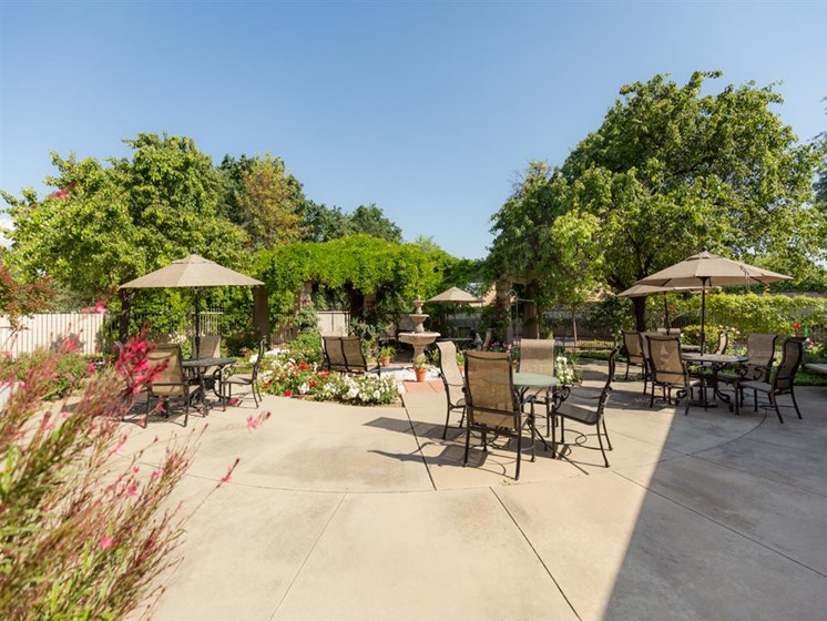 Courtyard Sitting at Cogir of Stock Ranch, Citrus Heights, California