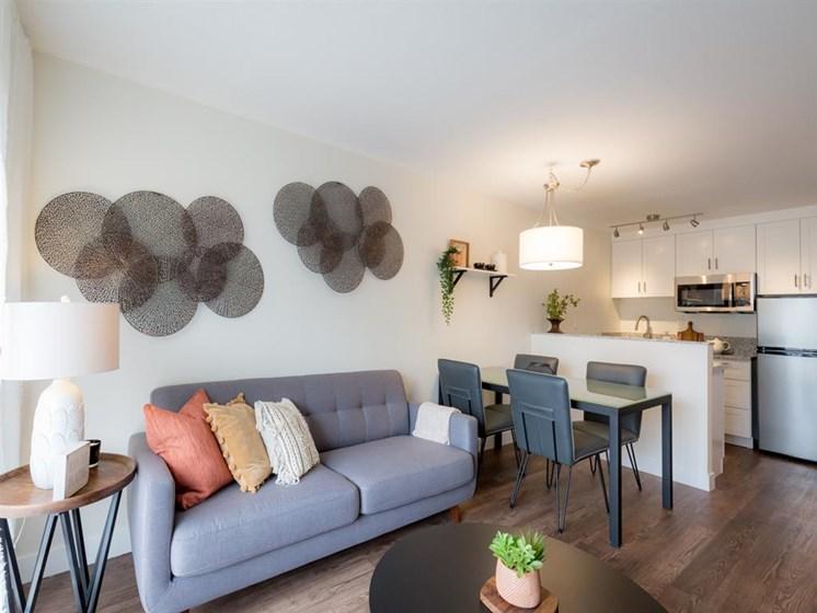 Modern Living Room at Cogir of Fremont, Fremont, CA, 94536