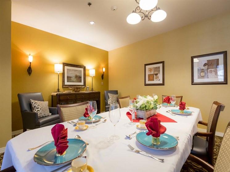 Elegant Dining Room at Cogir of Rohnert Park, Rohnert Park