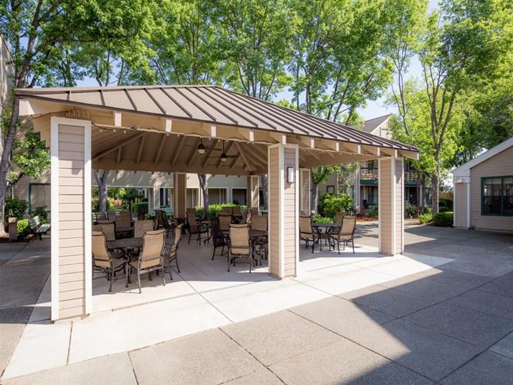 Gazebo Lounge at Cogir of Vacaville, Vacaville, CA