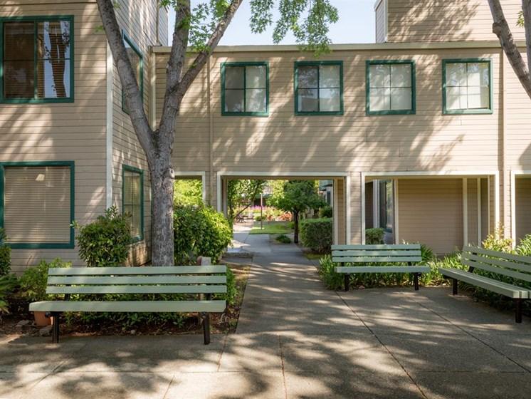 Courtyard Sitting at Cogir of Vacaville, Vacaville, CA, 95687