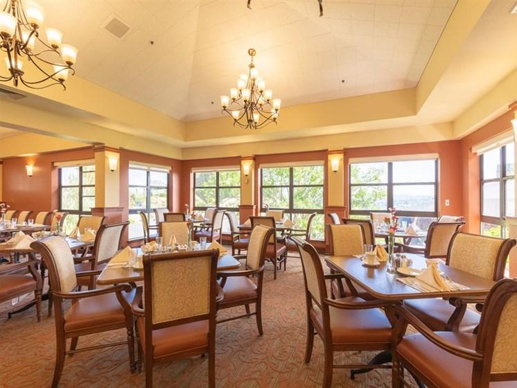 Restaurant Style Dining at Cogir of Vallejo Hills, Vallejo, 94591