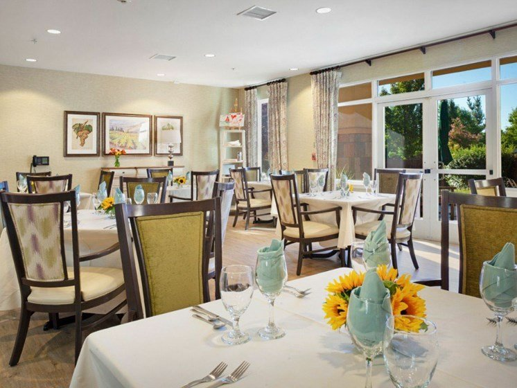 Restaurant Style Dining at Cogir On Napa Road, Sonoma, CA, 95476
