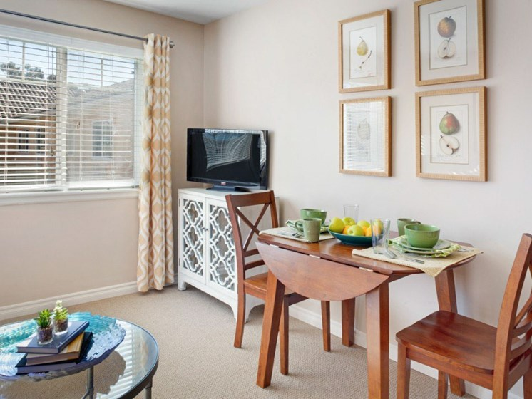 TV Seating Room at Cogir On Napa Road, Sonoma, 95476